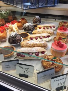 "See that one in the middle with the raspberries? It says ""eclair""!"